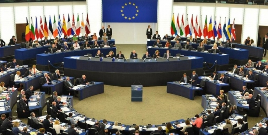 Parlamenterên Ewropî bi tundî li ber êrîşên li ser Efrînê rabûn