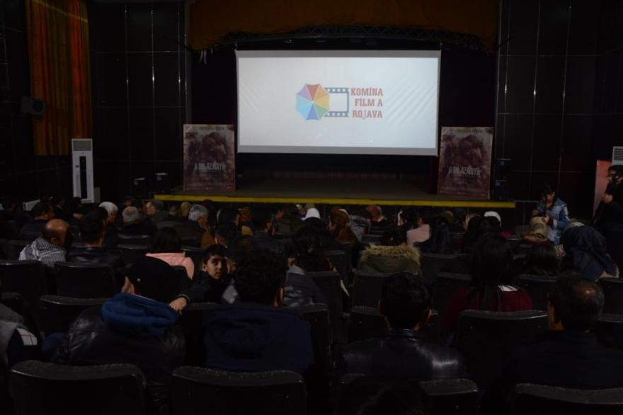 """Fîlmê """"Ji Bo Azadiyê"""" li Kobanê hate pêşandan"""