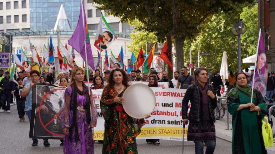 Jinên Kurd ên li Ewropayê daketin qadan
