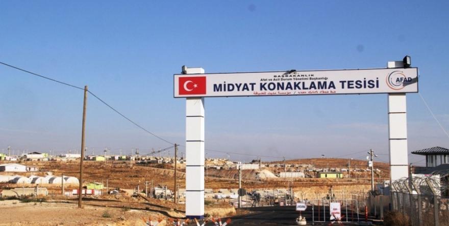 Êzidiyên li kampa AFAD'ê radestî DAIŞ'ê hatine kirin