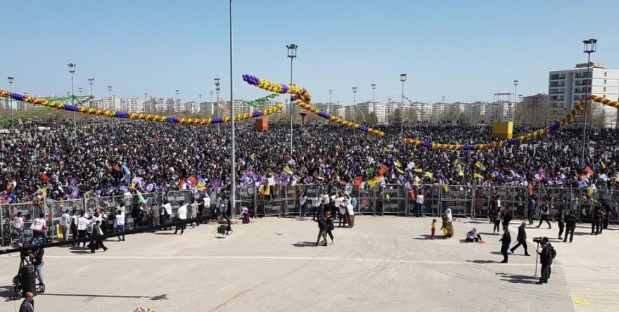 Li Newroza Amedê banga 'yekîtiya neteweyî'