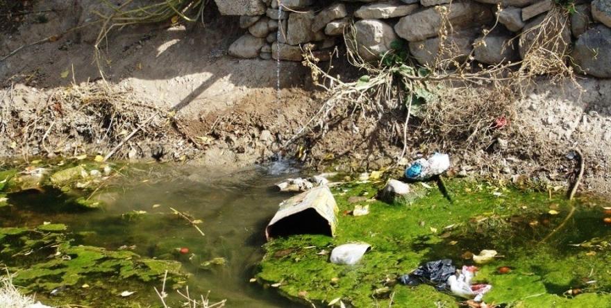 Ava kanalîzasyonê bi gelê Wanê didine vexwarin