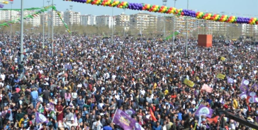 Efrînê peyam da Amedê: Bi rola xwe rabe!